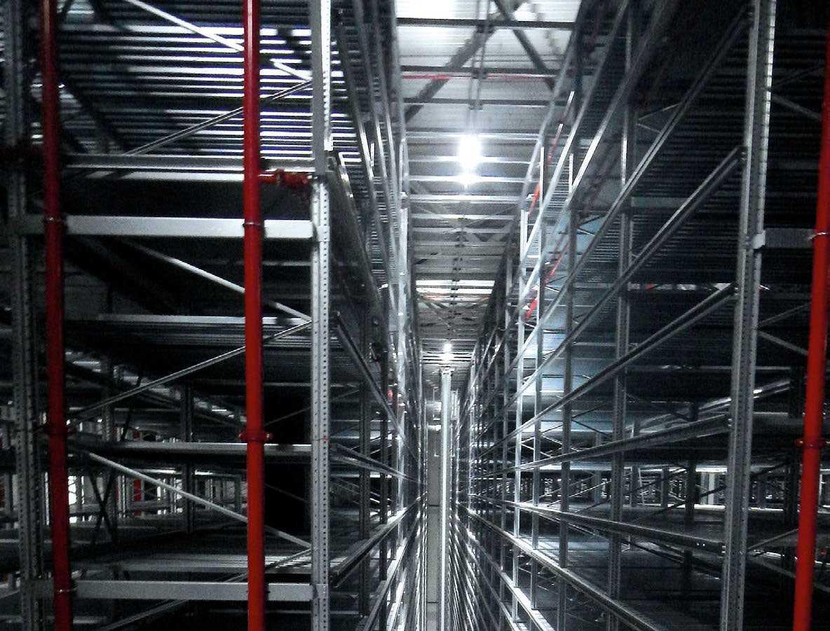 Für das neue Hochregallager von INTERSPORT hat sedlacek die Gebäudetechnik geplant und realisiert, an den Bestand angebunden und diesen saniert.